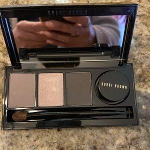 Bobbi brown eyeshadow and gel eyeliner palette